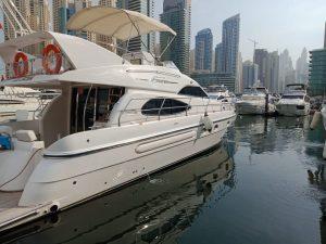 52ft yacht rental in Dubai
