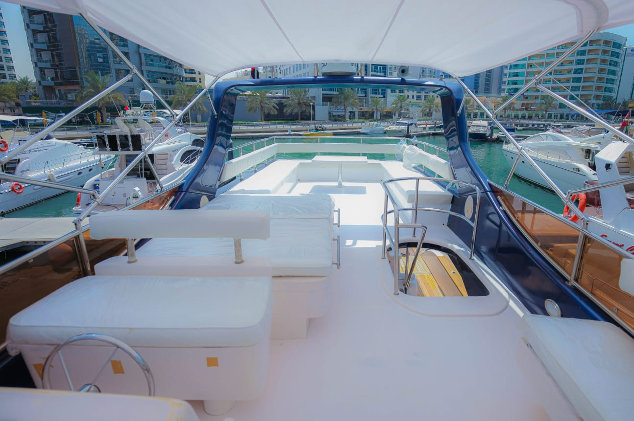 63ft Yacht Fly Bridge